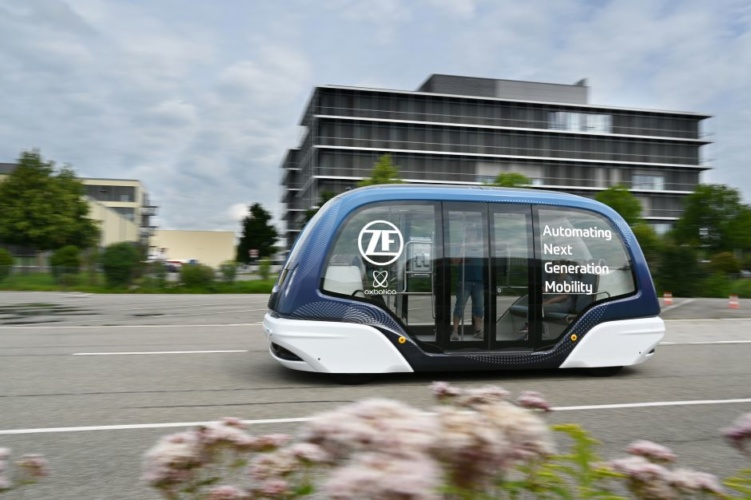 ZF & Oxbotica team up for global rollout of self-driving passenger shuttles